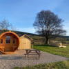 Barrel pod with private wash hut, outdoor kitchen & picnic table